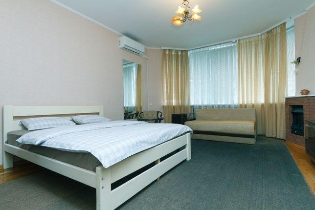 1-ная квартира посуточно, почасово, Бажана,16, Осокорки, Позняки