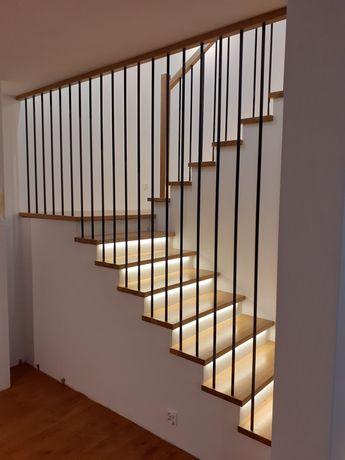 Schody drewniane,balustrady,parapety