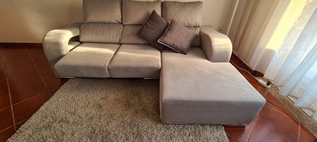 Sofá, cadeiras, mesa, móvel TV,
