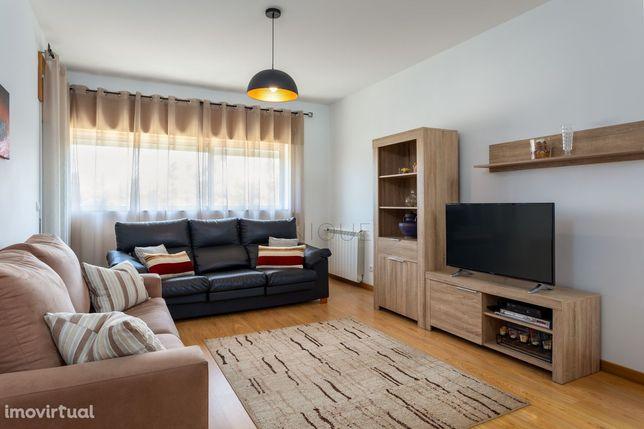 Apartamento T3 Remodelado em Esgueira