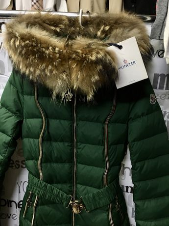 Пальто куртка, натур. мех, бренд: MONKLER, пух 90%. пух xs-s разм.