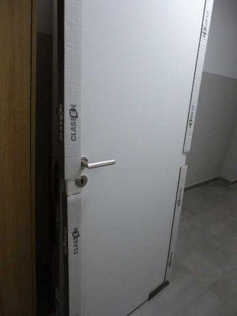 Drzwi 80 pokojowe lewe i łazienkowe prawe z klamką i rozetą, Nowe!!!
