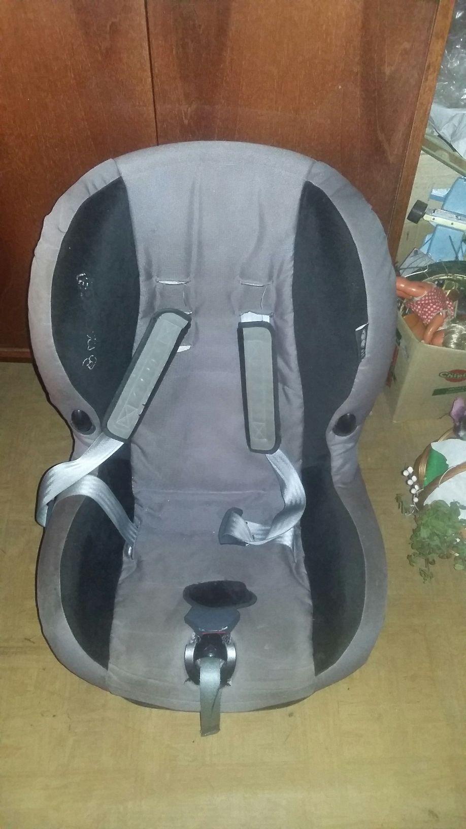 Fotelik samochodowy dla dziecka maxi cosi