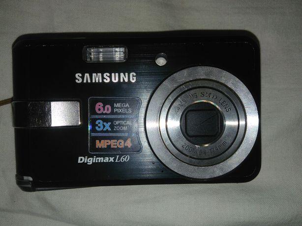 Цифровой фотоапарат Самсунг. Рабочий.