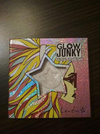Lovely Glow Junky Rozświetlacz 3 Holo