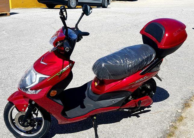 Scooter electrica MILG 250W sem carta.