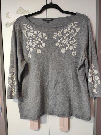 Szary sweterek BonMarché