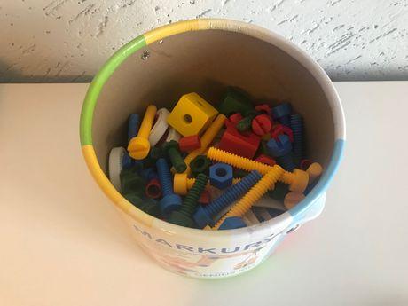 Zabawka konstrukcyjna jak nowa 120 elementów