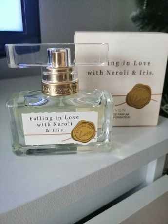 Perfum Falling in Love avon