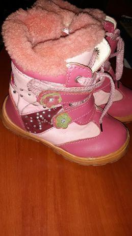 Продам зимние сапоги и ботинки весенне-осенние