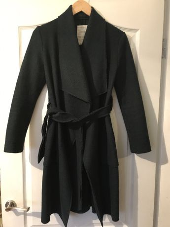 Изумрудное пальто Bershka