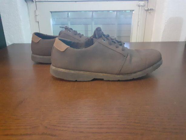 Sapatos Pull and Bear N°42