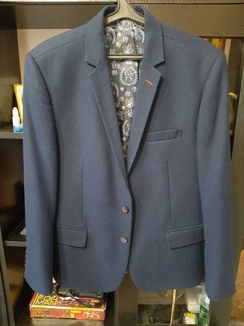 Продам стильный мужской пиджак