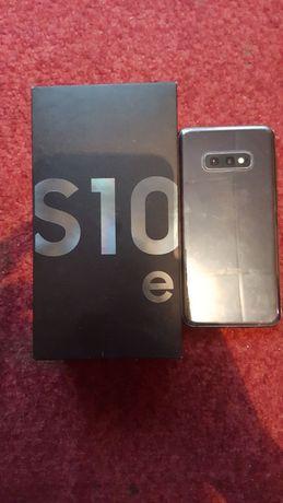 Samsung s10e в хорошому стані.