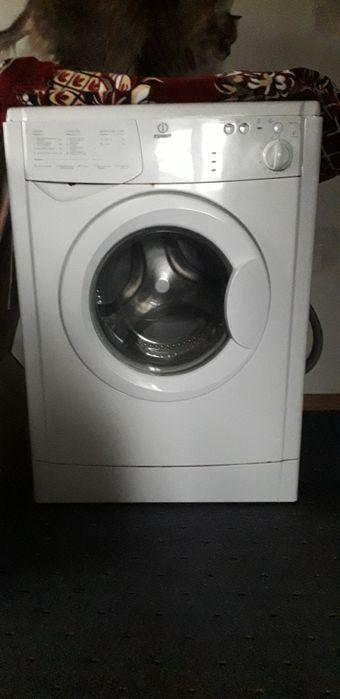 Фронтальная стиральная машина Индезит (Indesit) на запчасти Черкассы - изображение 1