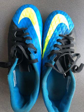 Korki piłkarskie do gry Buty Nike 36,5 (23,5cm) niebieskie