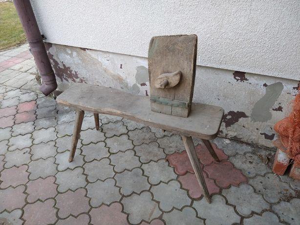 Stary stołek rymarski