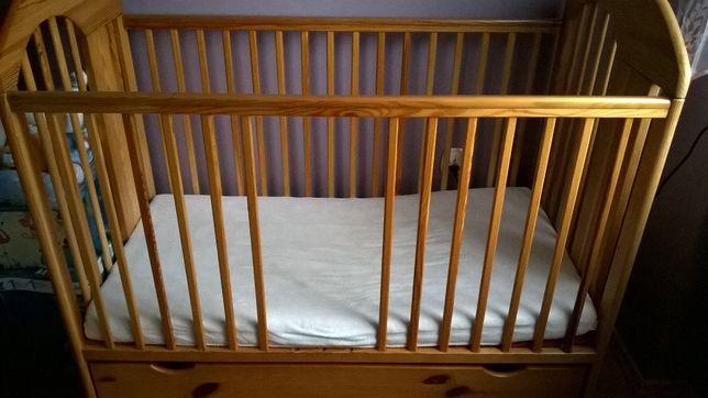 łóżeczko z szufladą i materacem