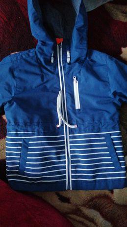Продам весеннюю куртку на мальчика Cool Club