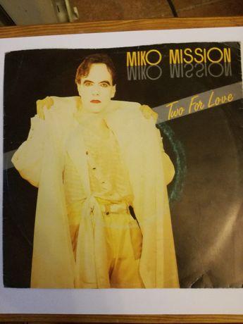 """Disco """"Miko Mission"""" 45 """"Two For Love"""" 1985 EMI Portugal"""