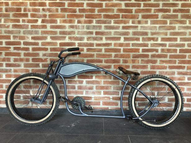Stary rower reklamowy.