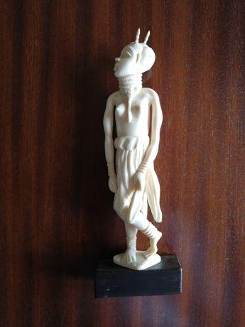 Estatueta de Mulher