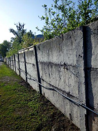 пПродам бетонный забор б/у 37 секций