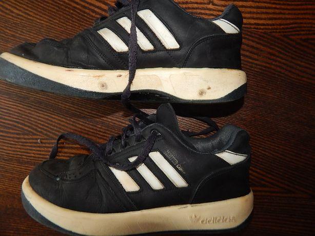 Кроссовки Adidas. для мальчика.38 размер