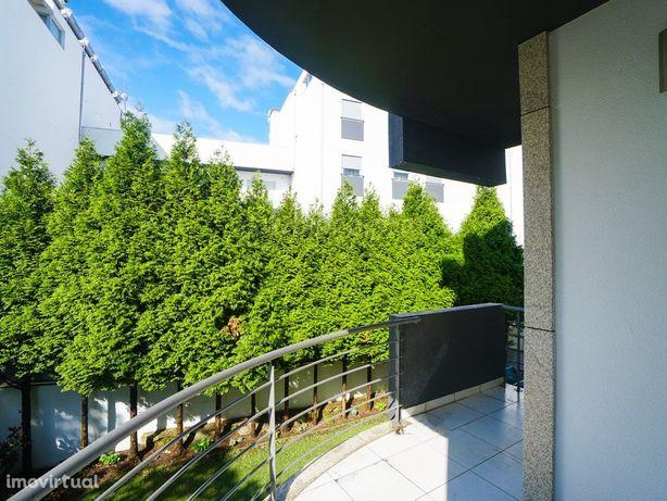 Apartamento T3, para venda, no centro da vila de Monção