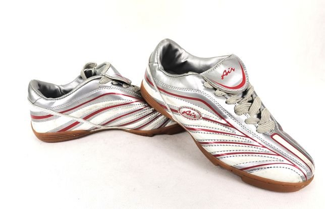 Adidasy buty sportowe obuwie  halowe  39 25 cm