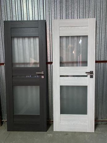 Drzwi 1 skrzydło 70 cm plus klamka