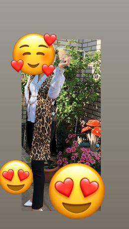Костюм брючный женский нарядный леопард
