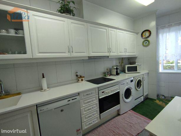 Apartamento T3 em Pedroso