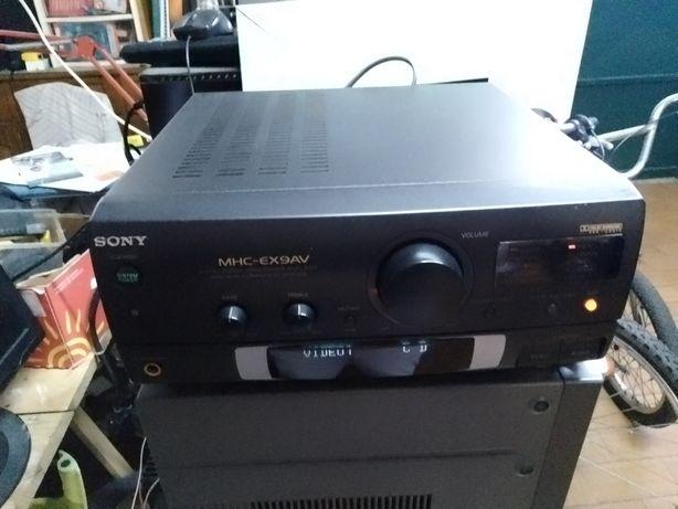 Amplificador + leitor de CD + comando + ficha de ligação Sony
