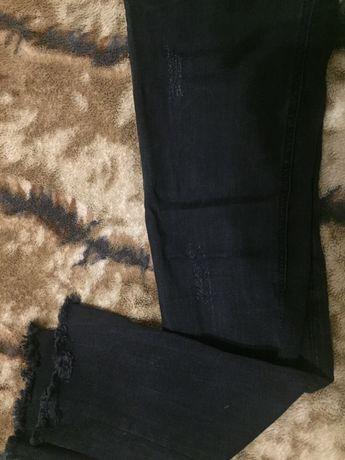 Стрейчевые джинсы чёрные