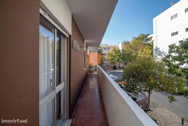 2 Quartos - Apartamento - Sé e São Pedro - Faro