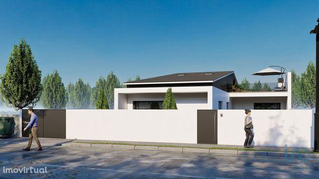 Moradia - 255 m² - T3