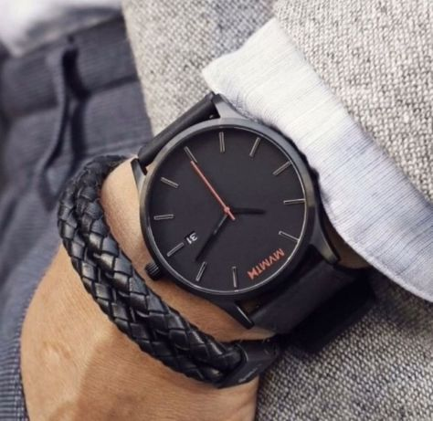 Zegarek MVMT klasyczny.