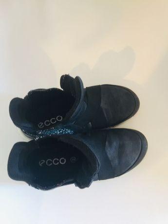 Продам детские кожаные кеды,кроссовки,мокасы,ботинк легкие и Еcco 29