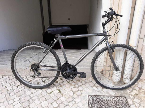 Bicicleta Barata com pouco uso