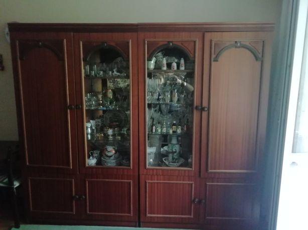 Продам 2 шкафа за 500 грн. Шкаф с ветриной стекло. стенка