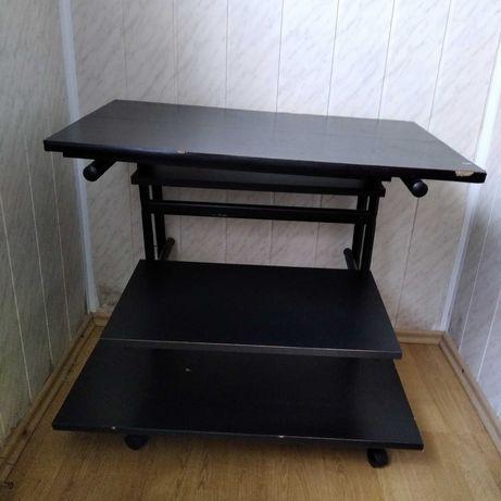 Черный письменный стол на колесиках , на детали , торг уместен!