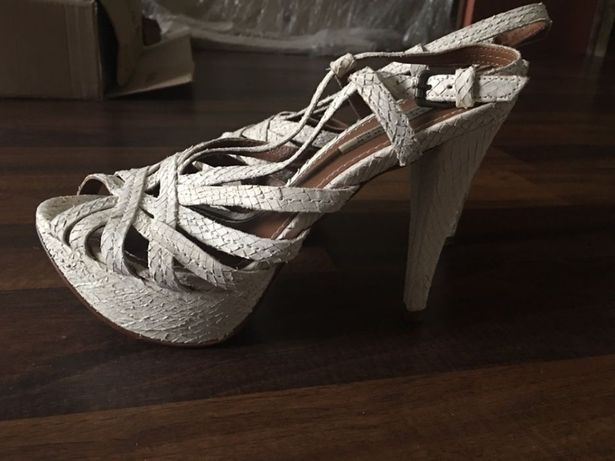 Sandały skórzane Zara 39