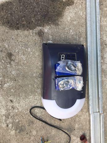 Automat do bramy Genius MR-800 z prowadnicą brama garazowa ,segment