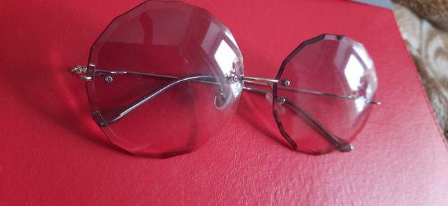 Очки солнцезащитные. Круглые. Оригинальные