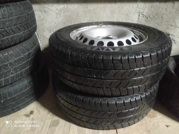 Пара колес в сборе Continental 215/65 r16c , диски 16,5j*16h2(T4,5)