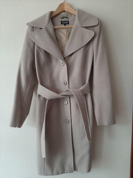Płaszcz wiosenno-jesienny beżowy z paskiem