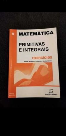 3 livros primitivas e integrais mais equações diferenciais.