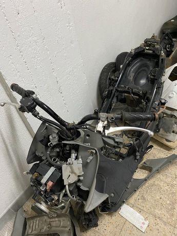 Moto acidentado Honda