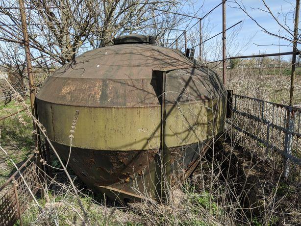 Железная бочка, бункер с муковоза 3.5 куба